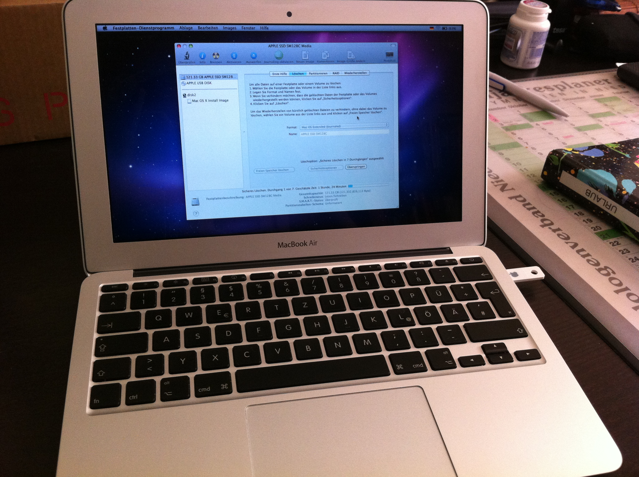 Macbook Air with Apple restore drive running Disk Utility